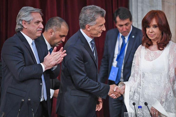 ¡Que momento ! : El saludo entre Cristina Kirchner y Mauricio Macri