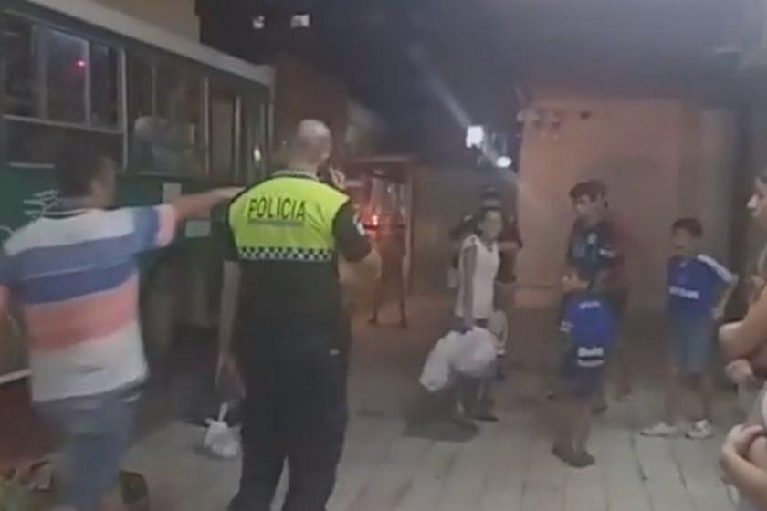 """"""" Al estilo piraña """"  : Niños robaron comida e intentaron escapar en colectivo en pleno centro"""