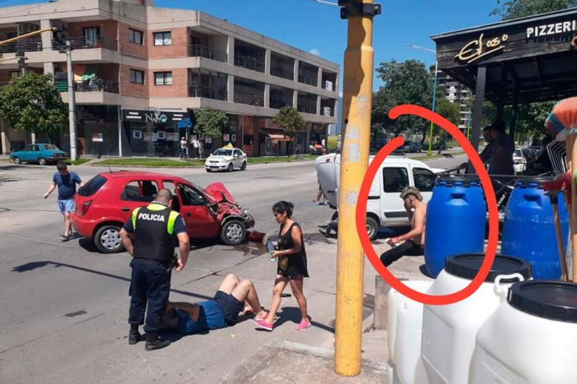 Jovenes descontrolados chocaron en la avenida Belgrano(VIDEO)
