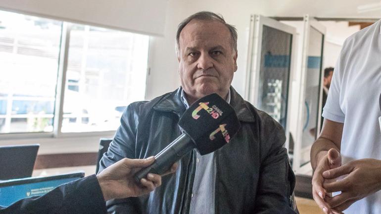 El contrabandista  Raul Martinez se atrincheró y se niega a renunciar de su puesto en el ARSAT, quiere doble indemnizacion