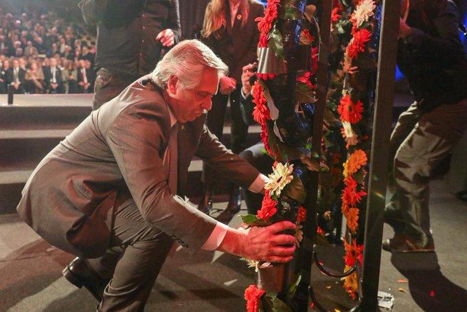El presidente Fernández rindió tributo a las víctimas del Holocausto