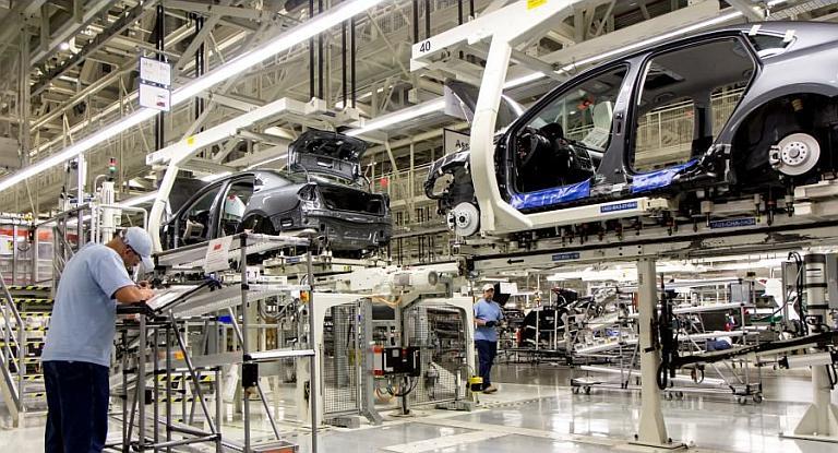 ECONOMIA: Volkswagen ratificó inversión en el país de u$s 800 millones