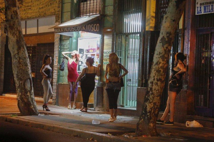 """"""" PROSTITUCION EN PRIMERA PERSONA"""": Ocho años en el infierno, 15 hombres por día"""