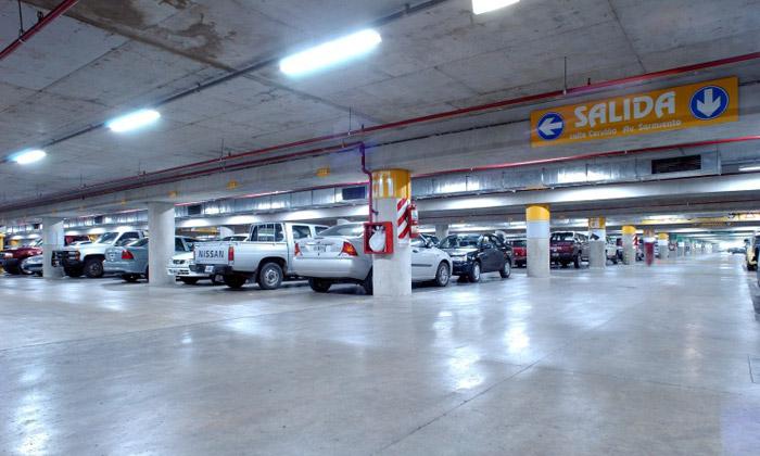 La justicia confirmo que los shoppings y los supermercados son responsables por los robos en sus estacionamientos