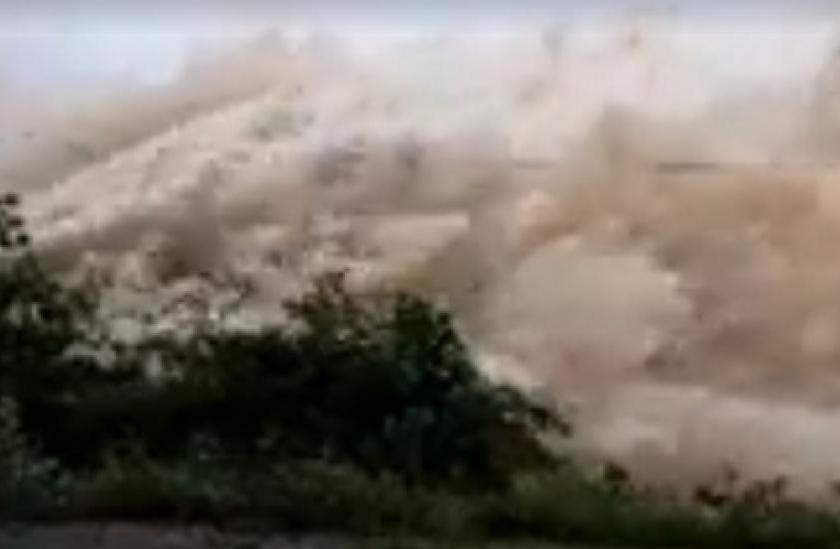 Por las intensas lluvias: Abren las compuertas del dique El Cadillal y aumenta el caudal de los ríos Loro y Salí