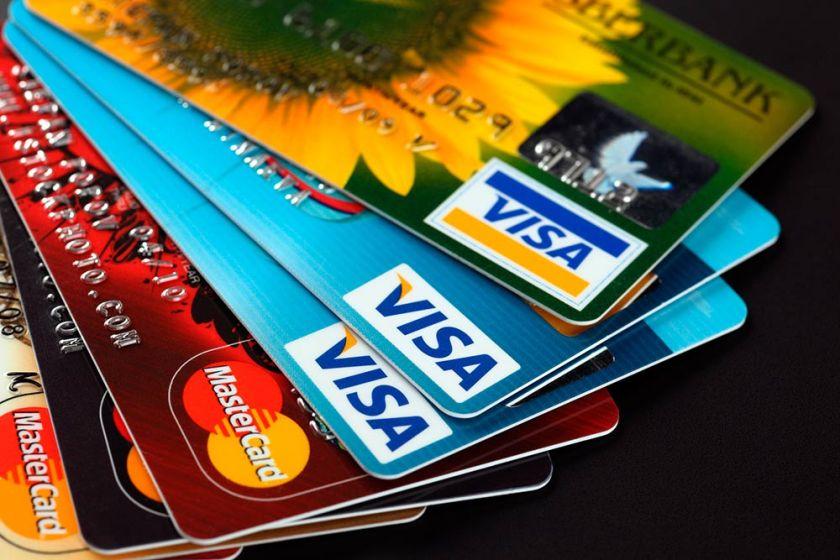Los bancos cobran hasta un 260% por la  financiación de consumos con las tarjetas, si no bajan ese interés, el gobierno pondrá un tope a la tasa