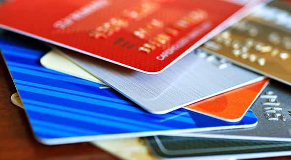 Por orden del B.C.R.A. se postergan vencimientos de tarjetas y deudas con los bancos