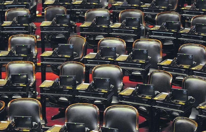 LUIS SORROZA: Es muy llamativo que los Senadores y Diputados por Tucuman, no defiendan a la Industria Azucarera, el lobby parece ser muy poderoso.
