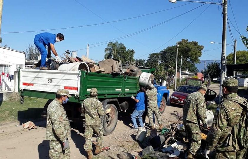 DENGUE  EN TUCUMAN: Fuerzas Federales y la Policía también colaboran para evitar su propagación en los barrios