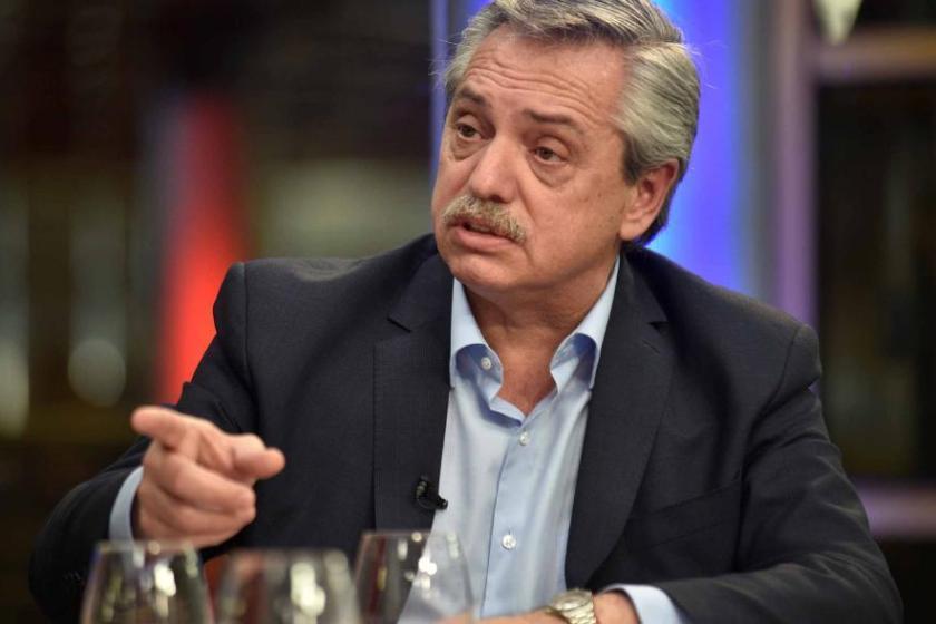 El presidente Fernández anunció que no pagarán los alimentos sobrevaluados