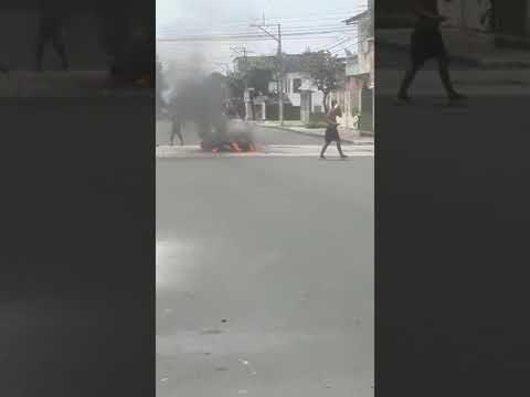ECUADOR: La Pandemia de Coronavirus arrasa en las ciudades mas importantes, la gente quema los cuerpos en las calles(VIDEO)
