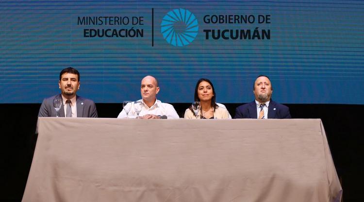Tucuman: Educación distribuirá más de 150.000 cuadernillos impresos