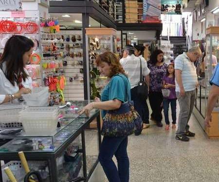 Sin creditos blandos los pequeños comerciantes no podrán afrontar el pago salarial de sus empleados en Tucuman