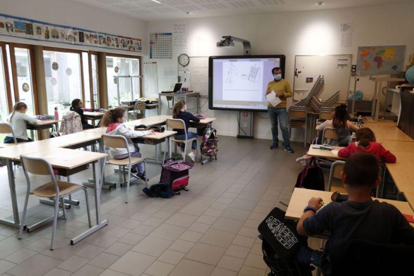 Pandemia de Coronavirus: Cierran en Francia 70 escuelas por detección de casos
