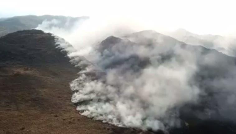 MEDIO AMBIENTE: Arde el Cerro Muñoz en Tafí del Valle