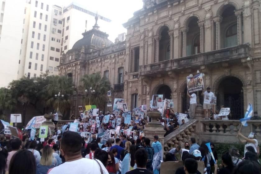 Los tucumanos volvieron a salir a la calle para pedir justicia por el asesinato de Ana Dominé
