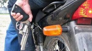 """"""" Dia y Zona liberada para que una pareja de motochorros robaran sin limites """""""