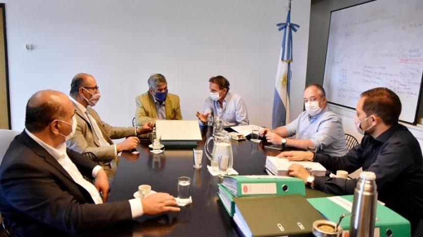 El gobernador Manzur gestionó ante Nación $1200 millones para concretar obras en el interior