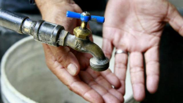 Vecinos del barrio Antena en Alderetes están sin agua potable desde hace 3 dias