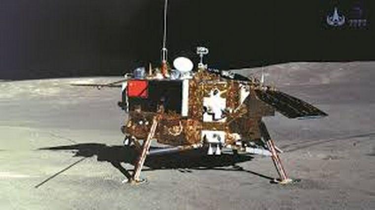 China posó su nave no tripulada en la luna