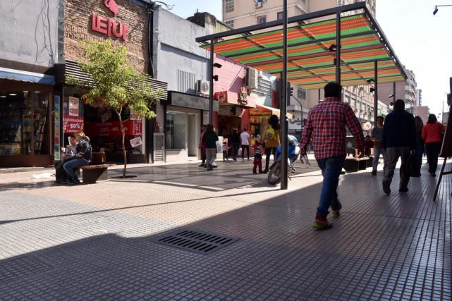 Asi será la atención del comercio en Tucumán durante el feriado largo
