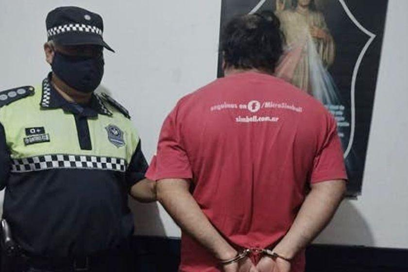 BANDA DEL RIO SALI: Pidió el celular a su hija de 13 años y descubrió que su hermano la obligaba a enviarle fotos desnuda