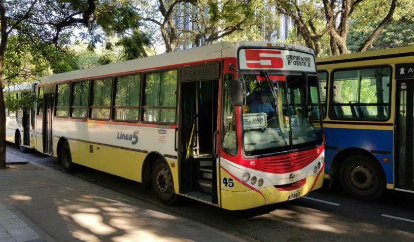 En Tucumán, con la complicidad de Manzur y del Sindicato: Desde este domingo los ómnibus circularán solo de 6.30 a 21