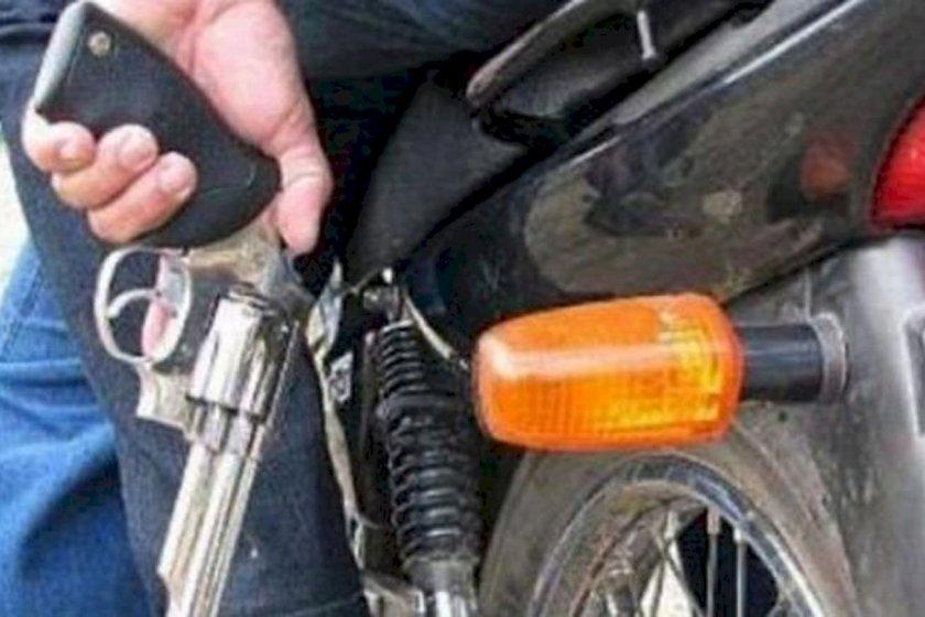 Motochorros balearon a un adolescente de 16 años para arrebatarle el celular