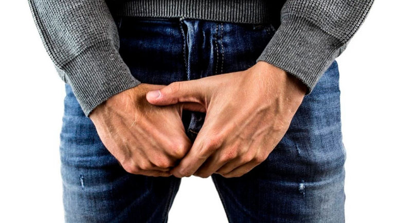 CORDOBA: Se vacuno con la dosis de Astrazeneca y dice que se le achicó el pene