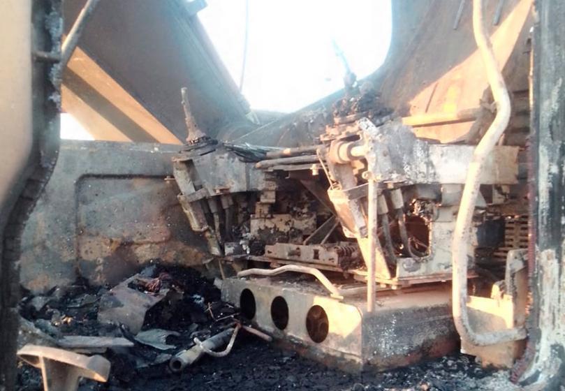 incendiaron una retroexcavadora del municipio en el sur de la Capital, esta valuada en U$S 150.000.-