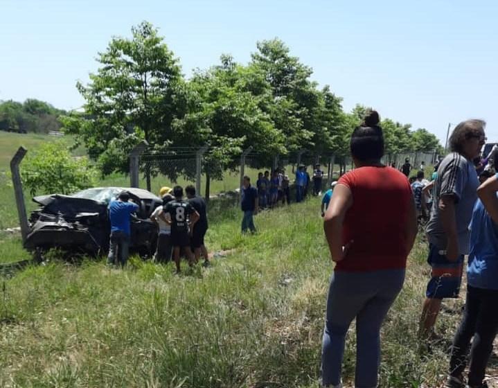 Terrible accidente vial en Alberdi, hay 2 muertos y 7 heridos