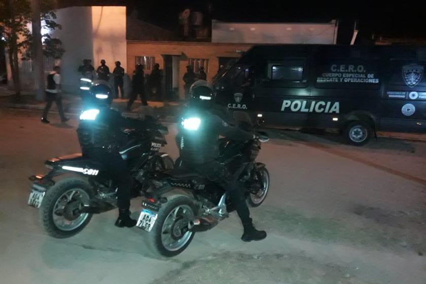 Busqueda del ASESINO Rejas: Allanaron la casa de la hermana en busca de pistas sobre la fuga