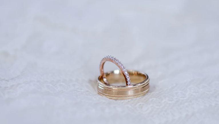 soñar con buscar un anillo de compromiso