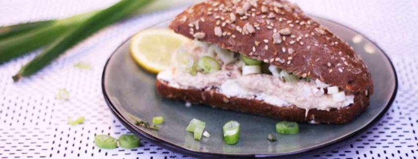 broodje tonijnsalade met verse roomkaas