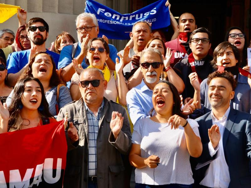 Doris González y activistas