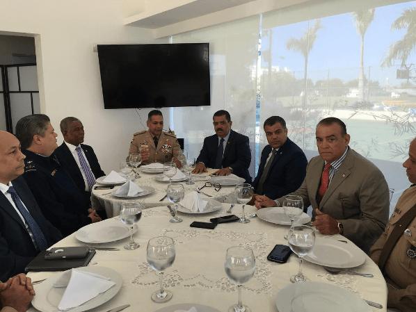 ministro-defensa-y-los-senadores