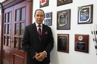 Dr. Juan Oviedo