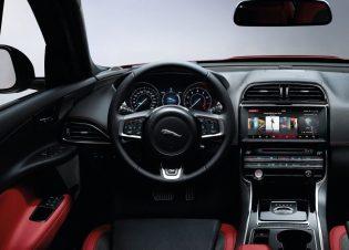 Jaguar-XE_AWD-2017-3