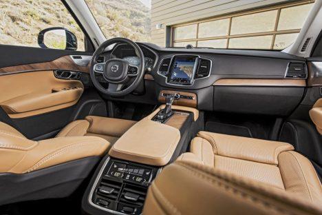 2017-Volvo-XC90-