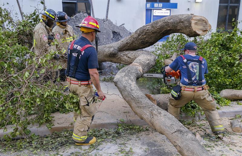 Jennifer López donará un millón de dólares para reconstruir Puerto Rico