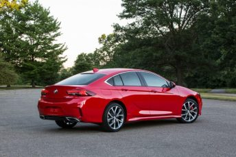 2018-Buick-Regal-GS-026
