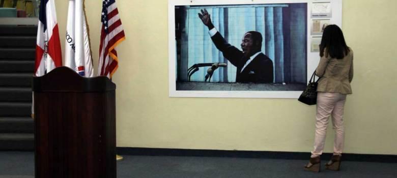 Abren exposición en honor al Dr. Martin Luther King, Jr.