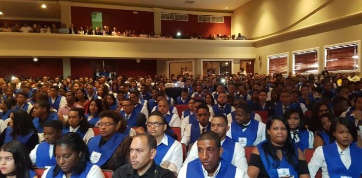 CENAPEC gradúa 1,540 bachilleres en Santo Domingo