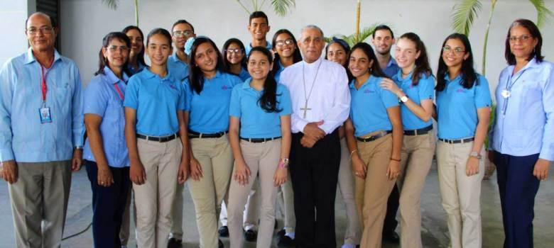 Colegió de La Salle celebra Día Nacional del Poeta
