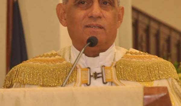Arzobispo de Santiago pide dejar de lado intolerancia