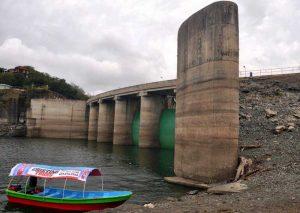 Sigue descenso presa Tavera