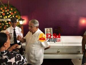En Villa González velan restos joven murió durante fuego El Bronx