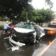 3 de febrero 2020.- MAXWELL REYES maxwellreyes@hotmail.com SANTIAGO.-Dos personas fallecieron y otra resultó herida esta madrugada y anoche, en accidentes de tránsito ocurridos en Canabacoa, en la autopista Duarte y en la avenida Hermanas Mirabal esquina 19 de marzo, en La Joya de ciudad. El taxista, Florencio Pérez Muñoz, falleció cuando el carro Hyundai Sonata N20 en el que se desplazaba impactó contra un poste del tendido eléctrico, la madrugada de este lunes. Pérez Muñoz, según testigos perdió el control del vehículo y tras impactar con el poste del alumbrado eléctrico, quedó atrapado dentro del vehículo falleciendo por los golpes y heridas que recibió. El accidente ocurrió alrededor de las 5:30 de la madrugada de hoy. Mientras que anoche, murió Belkis Rodríguez, de 22 años, cuando la motocicleta en la que iba como pasajera fue impactada por el conductor de una ruta de concho de la ciudad que luego huyó. El accidente resultó con golpes en la cabeza, un brazo y una pierna fracturada, Isaias Rodríguez quien conducía la motocicleta dijo anoche su madre, Jenny Rodríguez. El hecho ocurrió a las 10:00 de la noche del domingo. Los cadáveres de Florencio y Belkis se encuentran depositados en el Instituto Nacional de Ciencias Forenses (Inacif) para fines de autopsia.