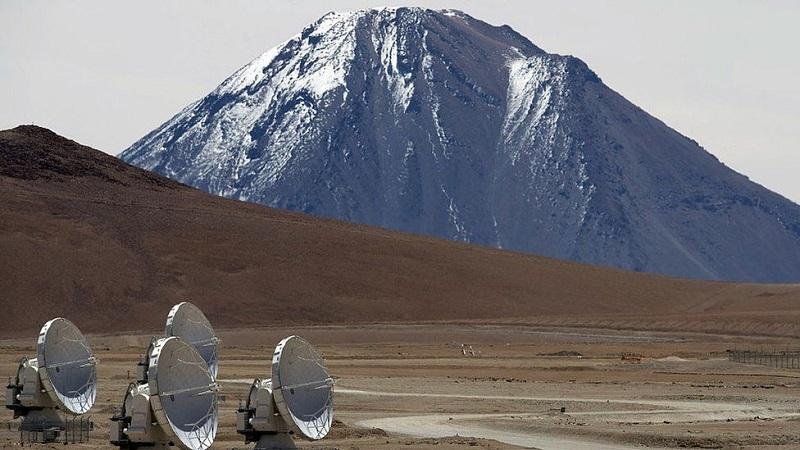 ALMA, la red de radiotelescopios de Atacama, Chile, participó en la iniciativa. Foto cortesía