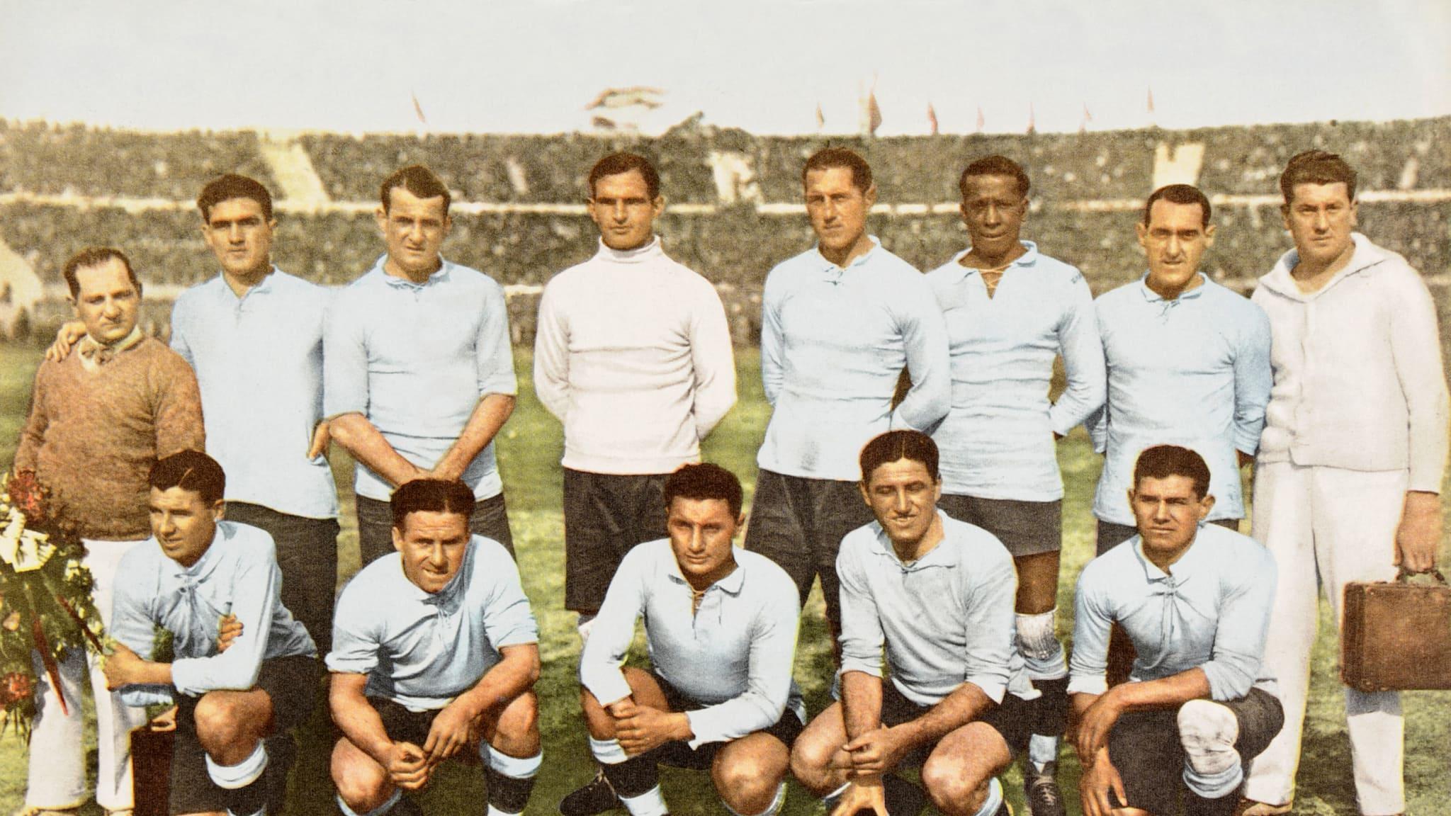 La selección charrúa era la vigente campeona olímpica, tras haber ganado el oro en los Juegos de 1924 y 1928.